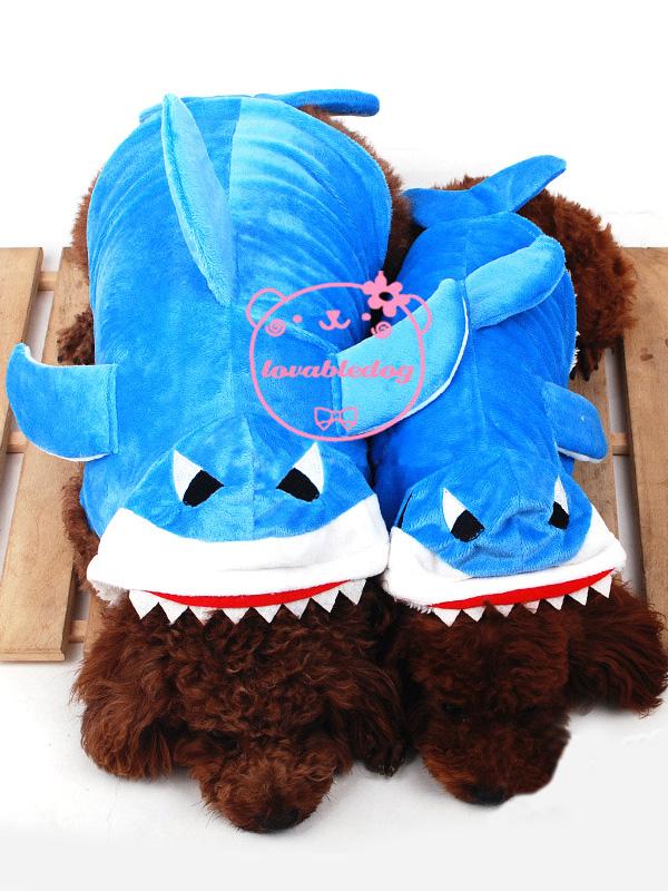 costume de requin bleu pour chien. Black Bedroom Furniture Sets. Home Design Ideas
