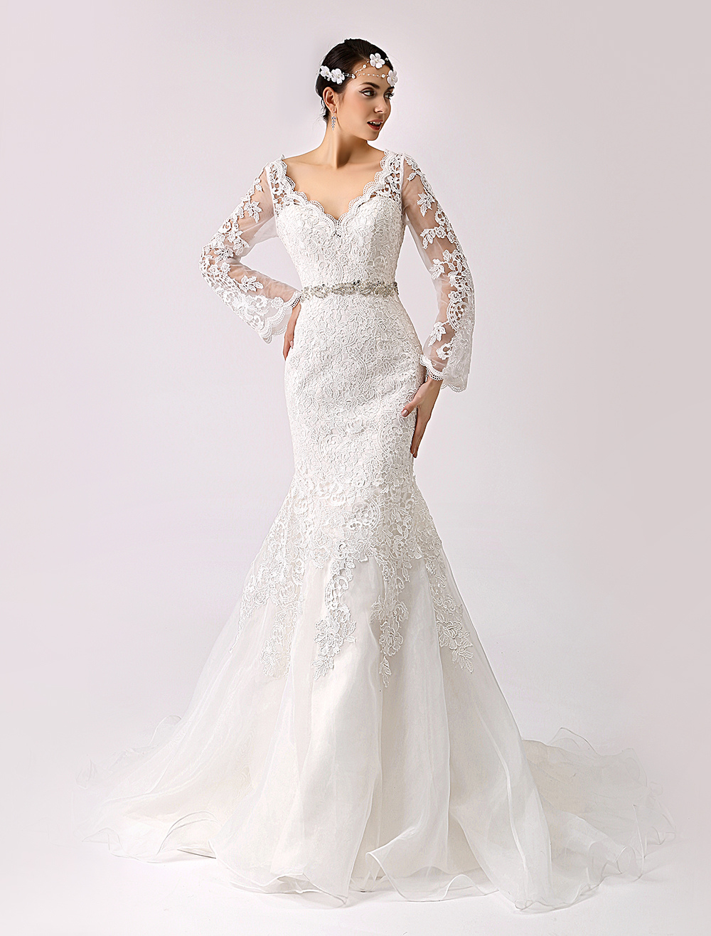 2018 Vintage Inspired Trumpet Lace Wedding Gown with Cutout Back Milanoo