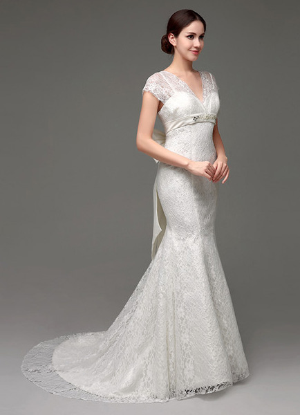 Lace V-neck Illusion Neckline Trumpet/Mermaid Bridal Gown With Bow ...