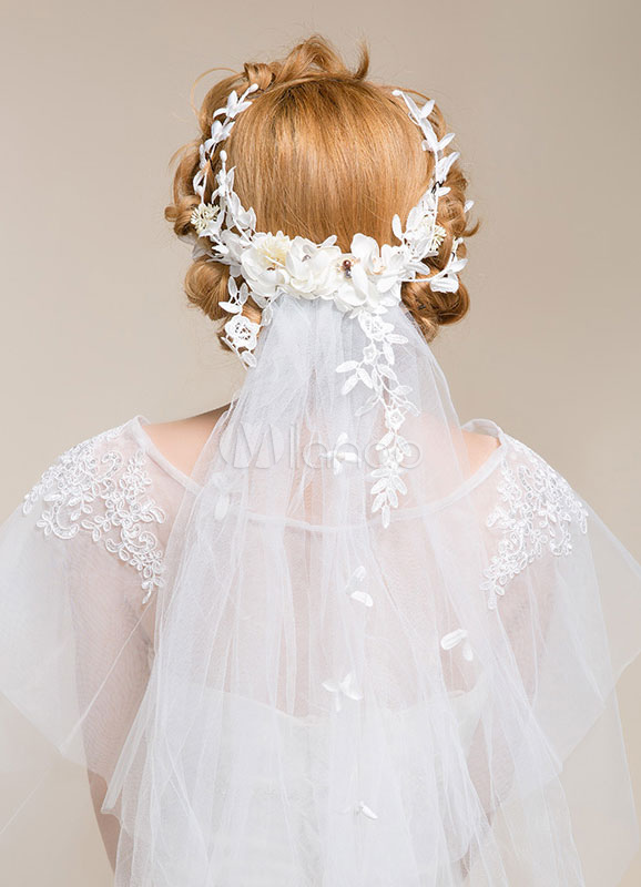 Buy White Wedding Veil 2-tier Cut Edge Tulle Bridal Veil With Flowers for $31.49 in Milanoo store