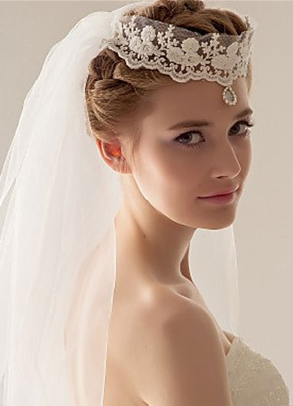 Buy Ivory Wedding Veil Tulle 1-tier Cut Edge Bridal Veil With Jeweled Lace Crown for $14.99 in Milanoo store