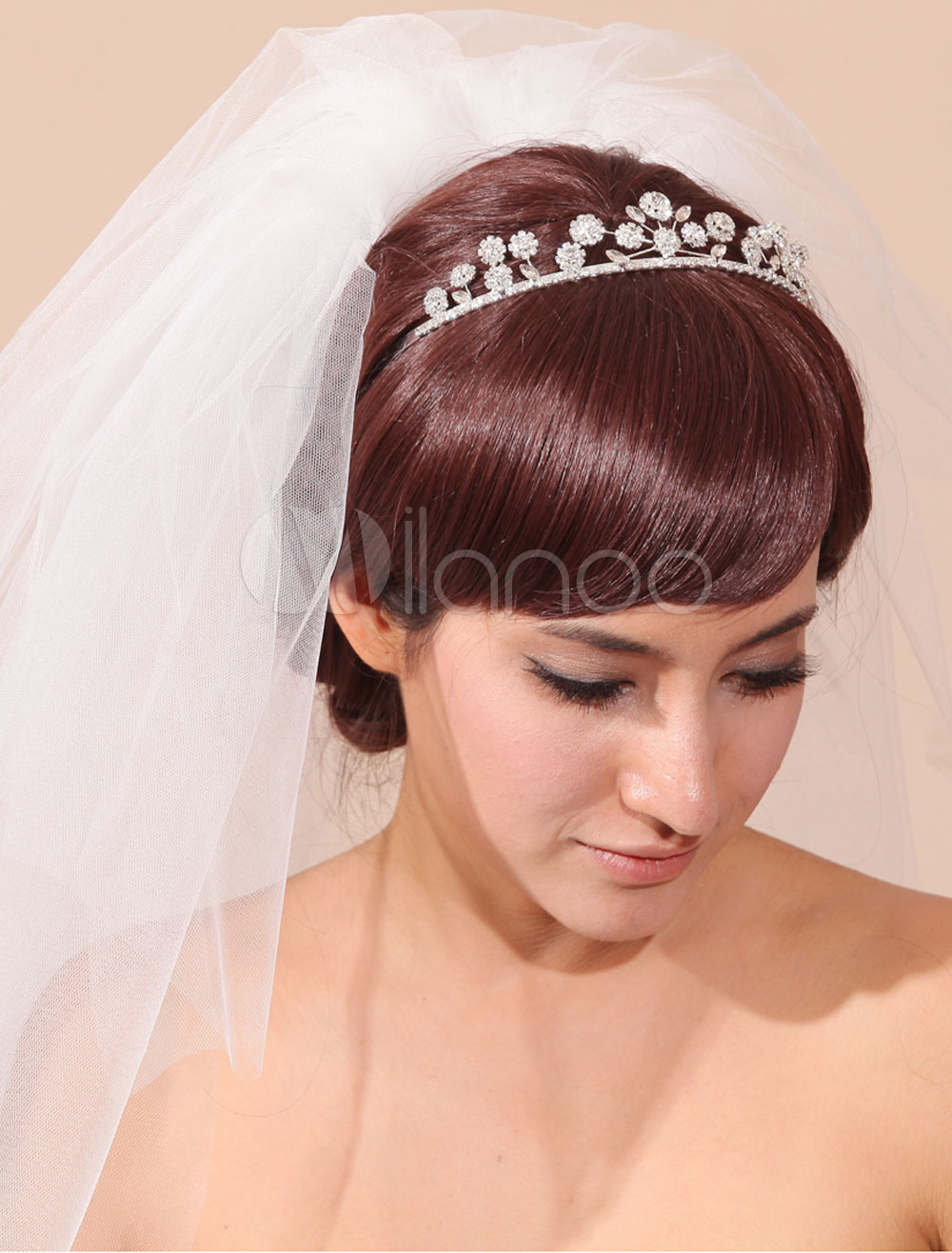 White Wedding Veil Tulle Cut Edge 3-Tier Bridal Veil With Rhinestone(4 Hairpins Included)
