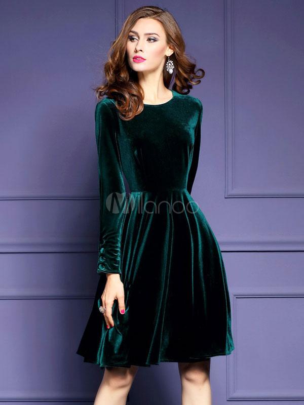 Vestido plisado de terciopelo de verde musgo con escote redondo con ...