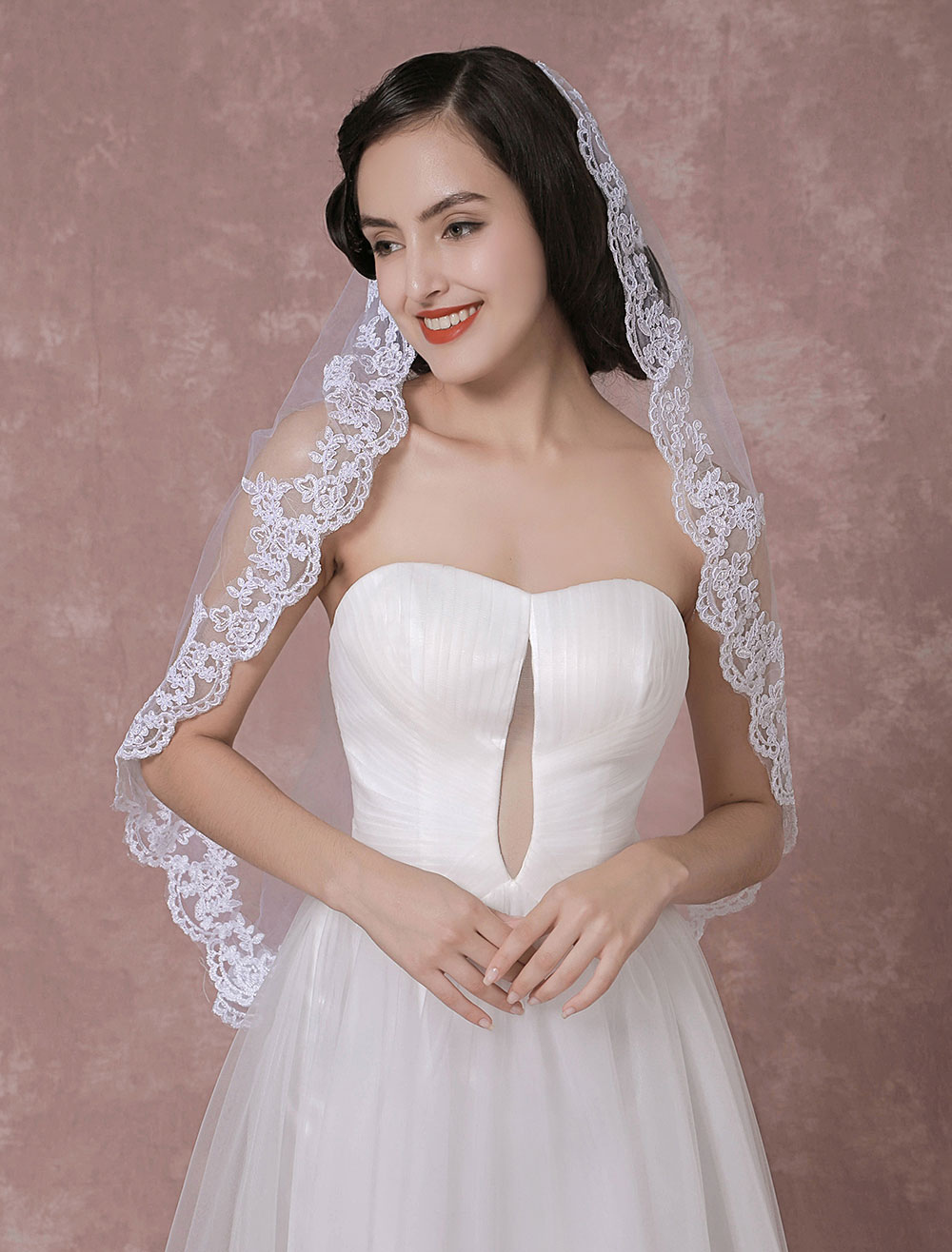 Cathedral Wedding Veil Tulle Lace Applique Edge One-Tier Bridal Veil