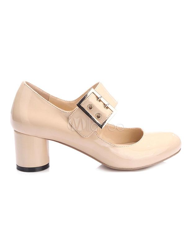 Zapatos de tacón medio con pala de charol de color nude de patente con hebilla estilo clásico o9x94D