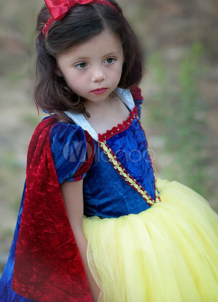 fffdc25d12c Snow White Princess Dresses Kids Pageant Dress Velvet Tulle Ball Gown With  Cape Girls Costume Cosplay Halloween