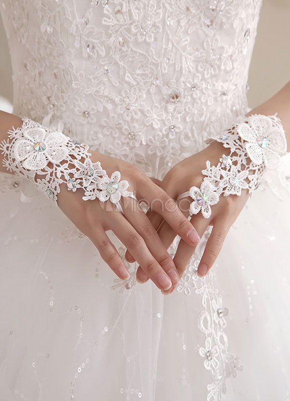 Lace Wedding Gloves White Fingerless Beaded Flowers Applique Wrist Length Hollow Out Lace Up Bridal Gloves