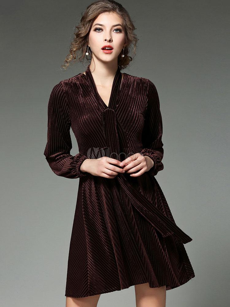 4be1b3e9b Skater vestido veludo escuro marrom V pescoço manga longa do mulheres  plissada Flare vestido com cinto ...