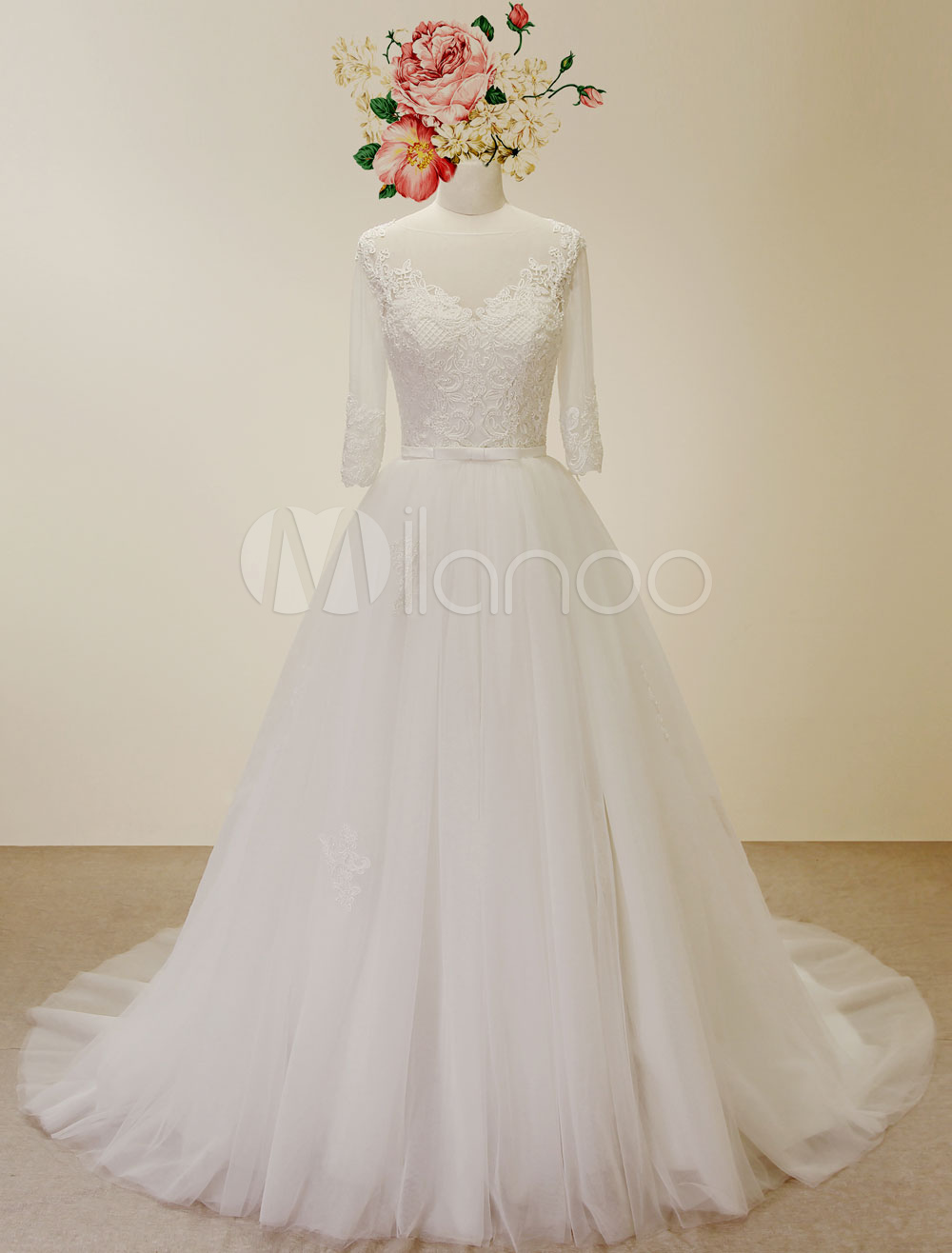 High Qulity A Line Wedding Dress Laced Applique Chaple Train Bridal Gown