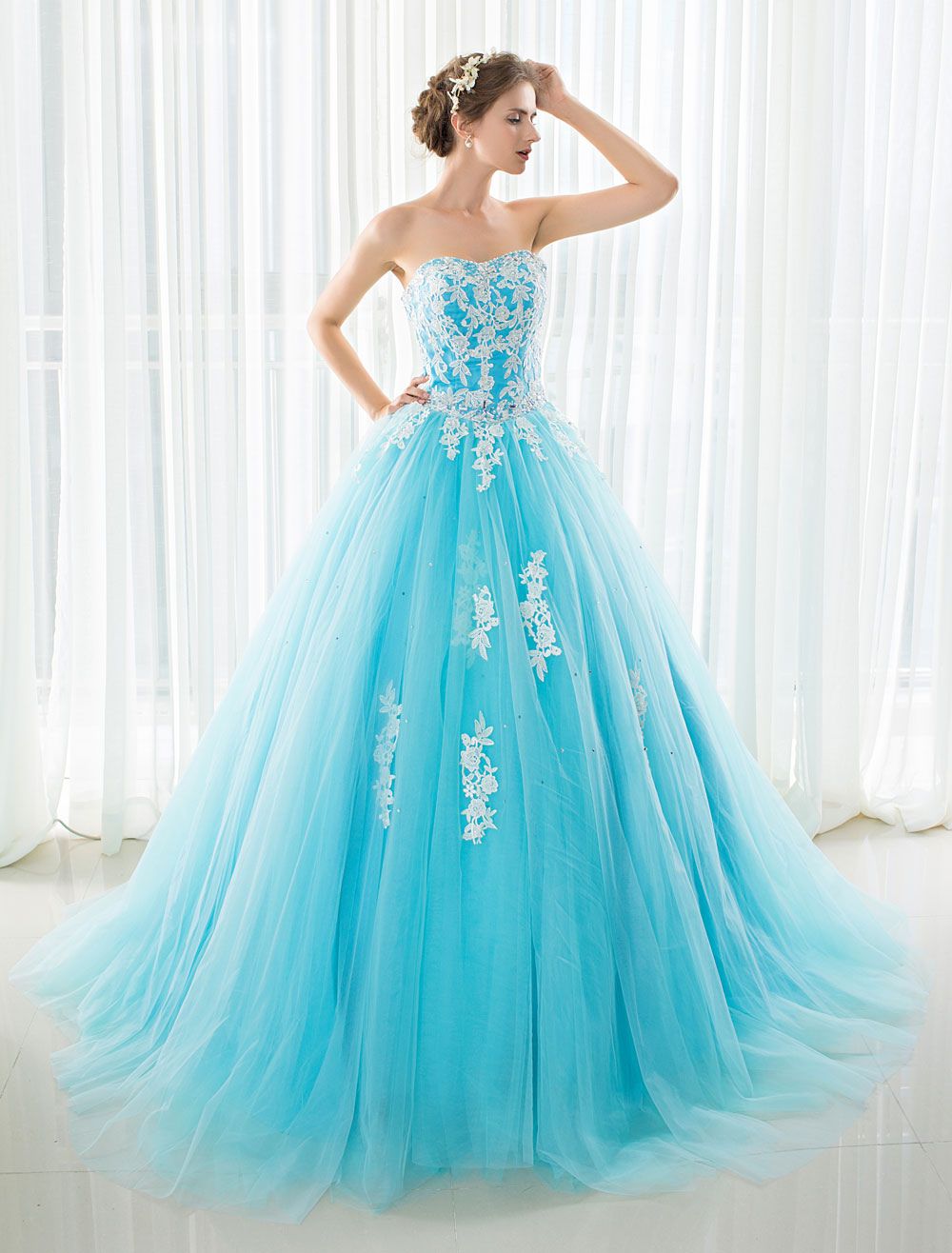 Buy Blue Wedding Dress Lace Applique Tulle Court Train Strapless Sweetheart Lace-up A-line Bridal Gown for $149.39 in Milanoo store