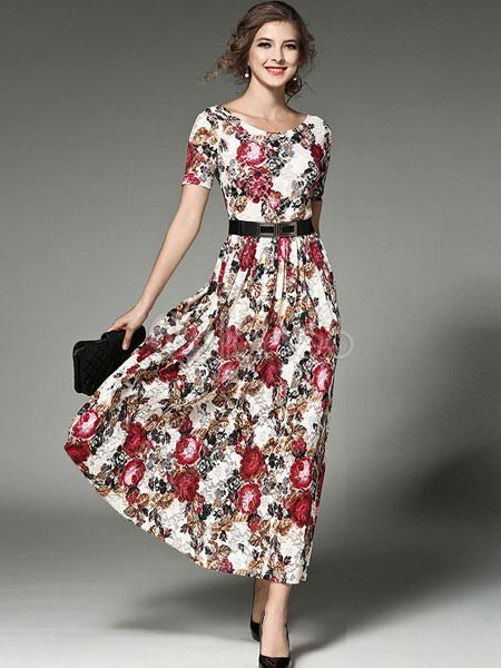 Femme ronde robe courte ou longue