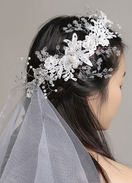 White Wedding Veil Tulle Two Tier Cut Edge Bridal Veil With Rhinestone Lace Headpieces