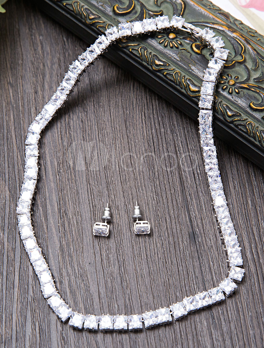 Buy Wedding Jewelry Set Silver Vintage Beaded Bridal Necklace With Stud Earrings for $44.99 in Milanoo store
