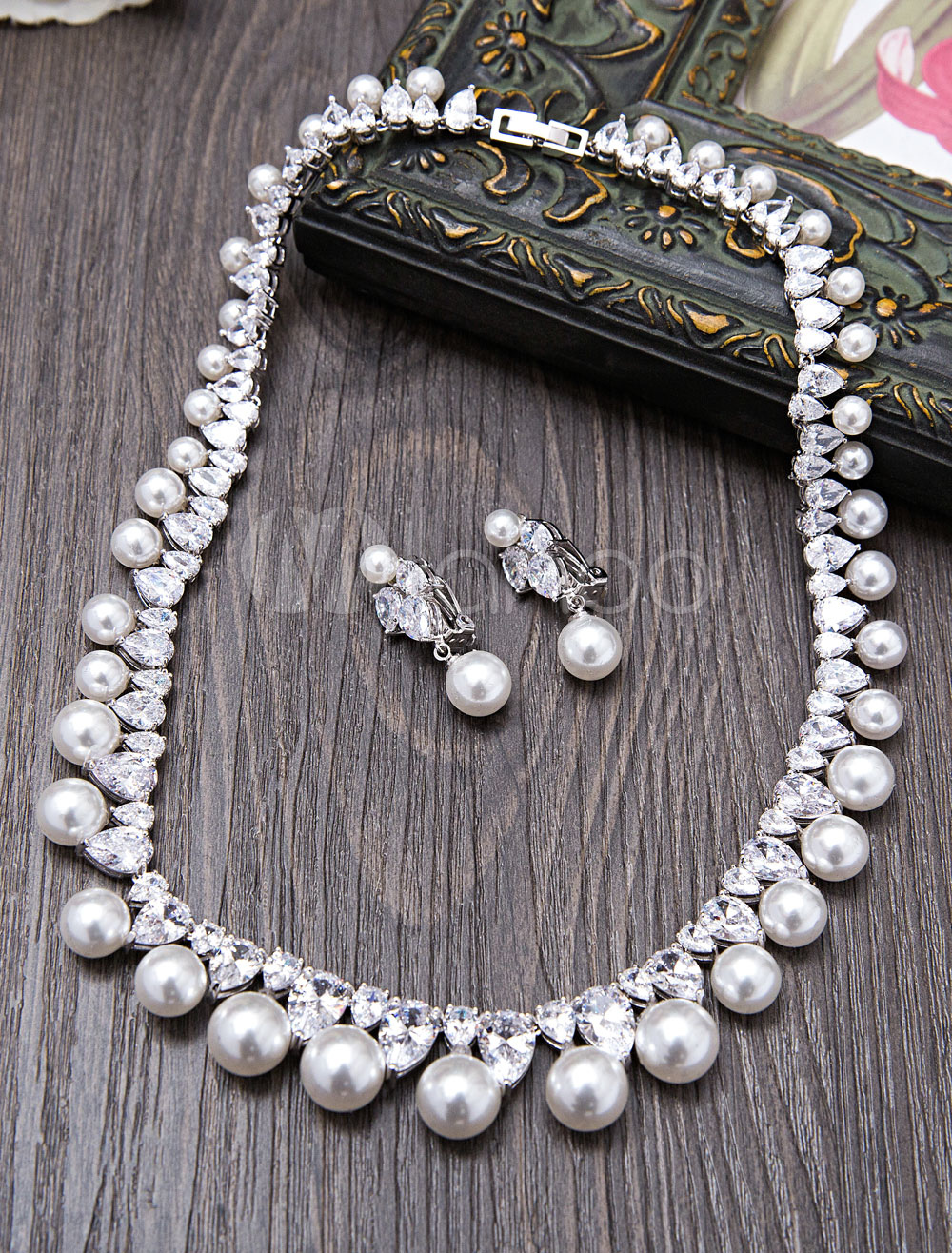 Buy Vintage Wedding Jewelry Pearls Beaded Bridal Necklace Set With Drop Earrings for $78.29 in Milanoo store