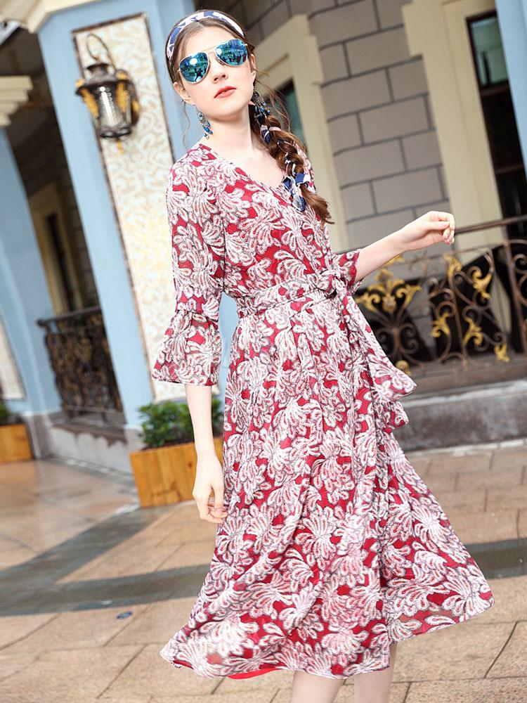 Vestido de fiesta de seda elástica con escote redondo con estampado ...