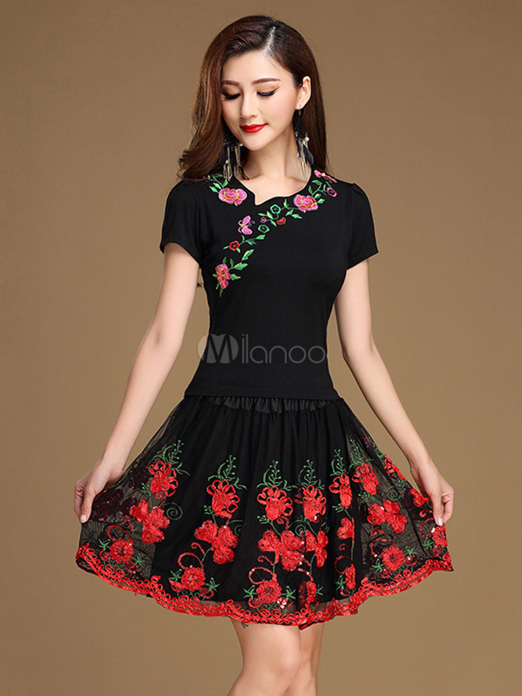 Buy Latin Dance Costumes Black Round Neck Short Sleeve Floral Embroidered Dance Costumes In 2 Piece Set for $44.99 in Milanoo store