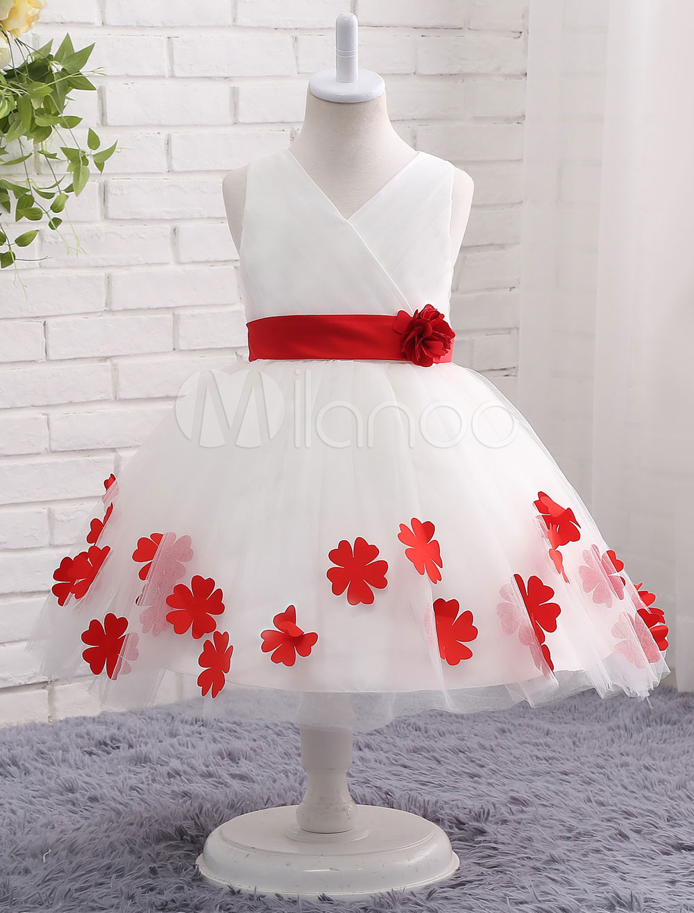 Buy Ivory Flower Girl Dress Flower Bow Sash Princess V Neck Sleeveless Knee Length Toddler's Pageant Dress for $64.79 in Milanoo store