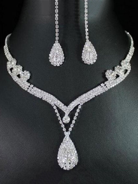 2 Piece Jewelry Set Silver Rhinestones Pendant Necklace With Drop Earrings