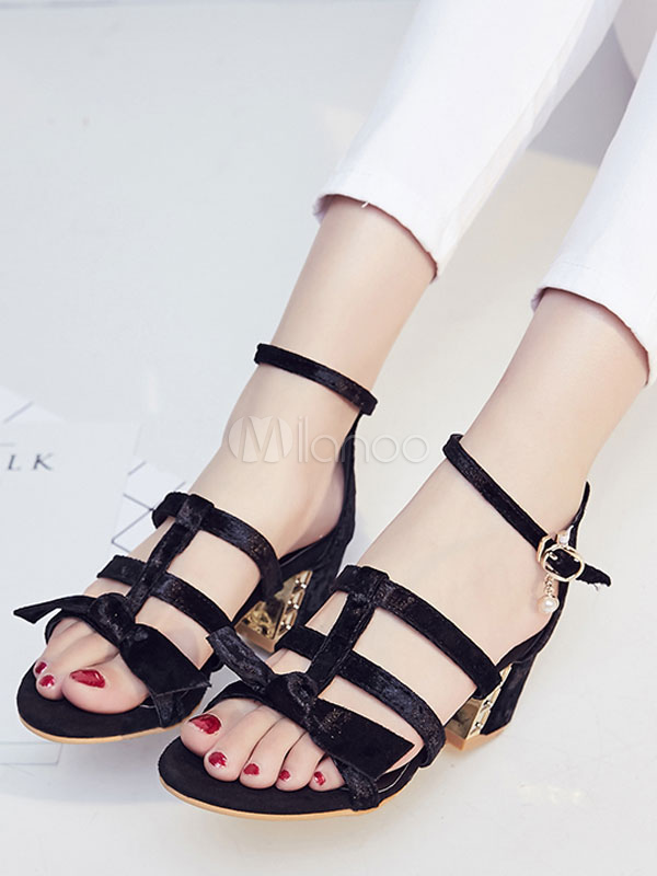 Strappy Block Heel Gladiator Bowknot Sandals - BLACK Clearance Free Shipping Eastbay Cheap Price Buy Cheap New ts8Z04xR