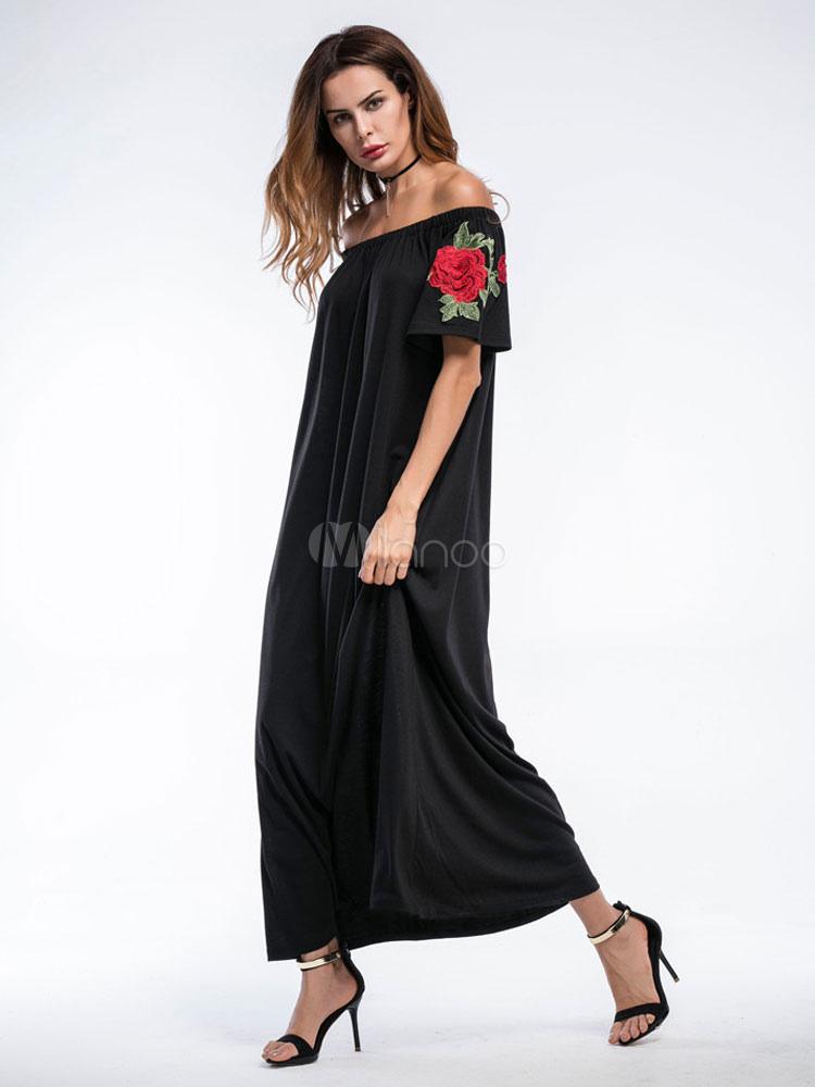 modisches kleid aus baumwolle mit carmenausschnitt und stickereien und p oniemuster in schwarz. Black Bedroom Furniture Sets. Home Design Ideas