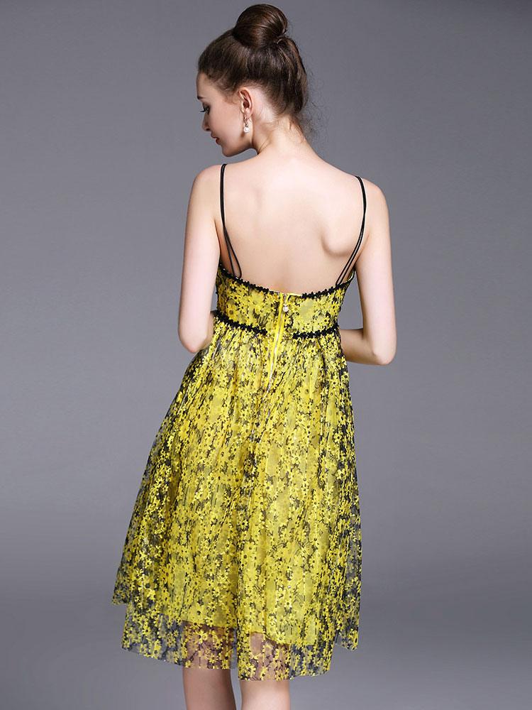 1061fa82d8ae ... Abito plissettato giallo medio di pizzo smanicato bretelle scollato  sulla schieno stampa floreale donna -No