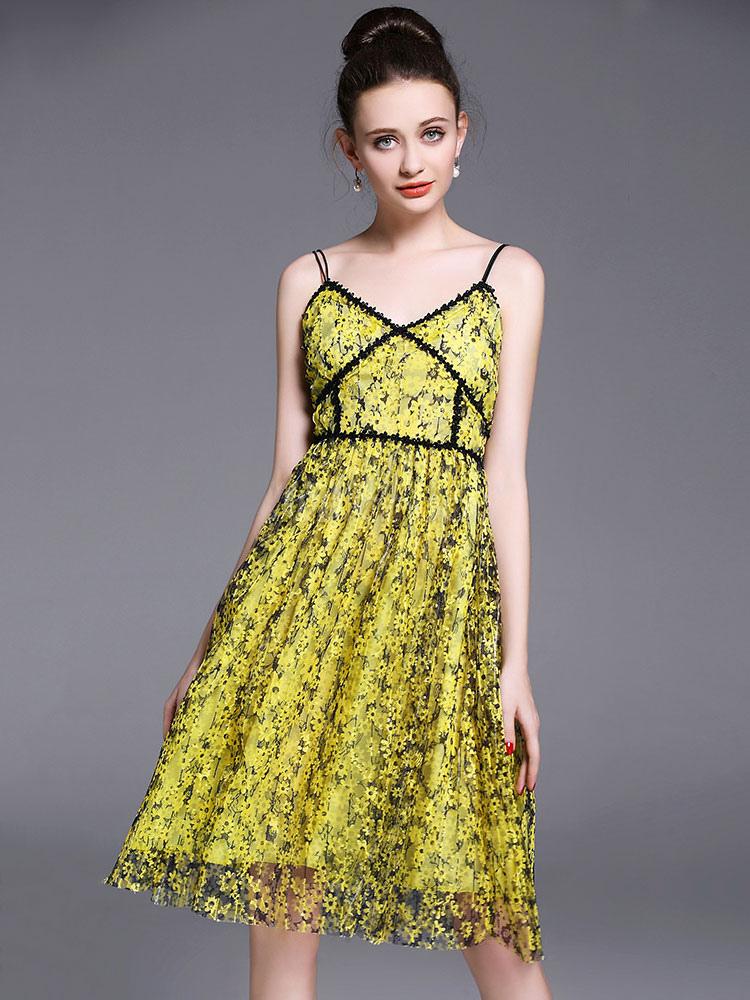 44dc426ef250 Abito plissettato giallo medio di pizzo smanicato bretelle scollato sulla  schieno stampa floreale donna -No ...