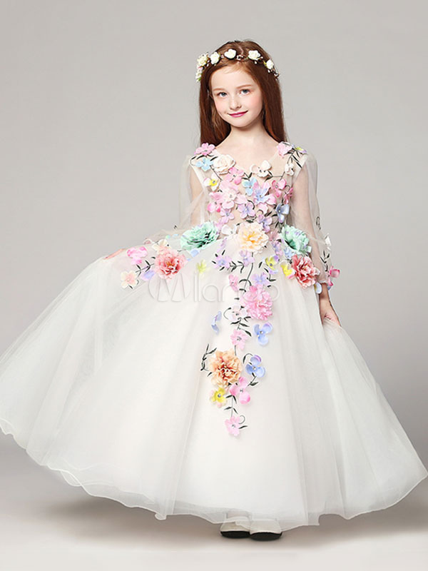 8207bf218b A beautiful white long dress wrapped in pastel flowers is one of the most  beautiful. It is a dress for girls wedding dresses. The dress is like a  fairy tale ...