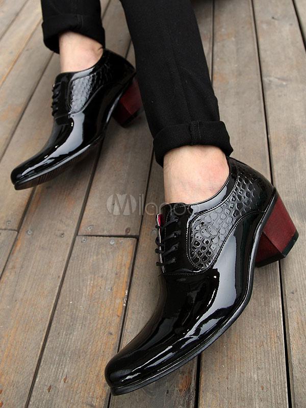 Zapatos de vestir de tacón gordo de puntera puntiaguada Charol PU Color liso con cordones estilo moderno para hombre Primavera EAOMa