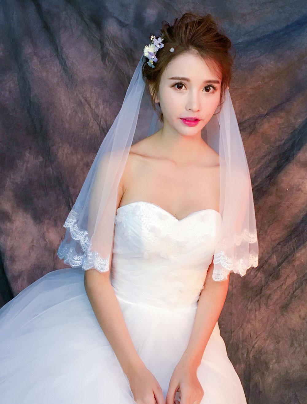Ivory Wedding Veil Lace Trim Scalloped Edge 1 Tier Bridal Veil