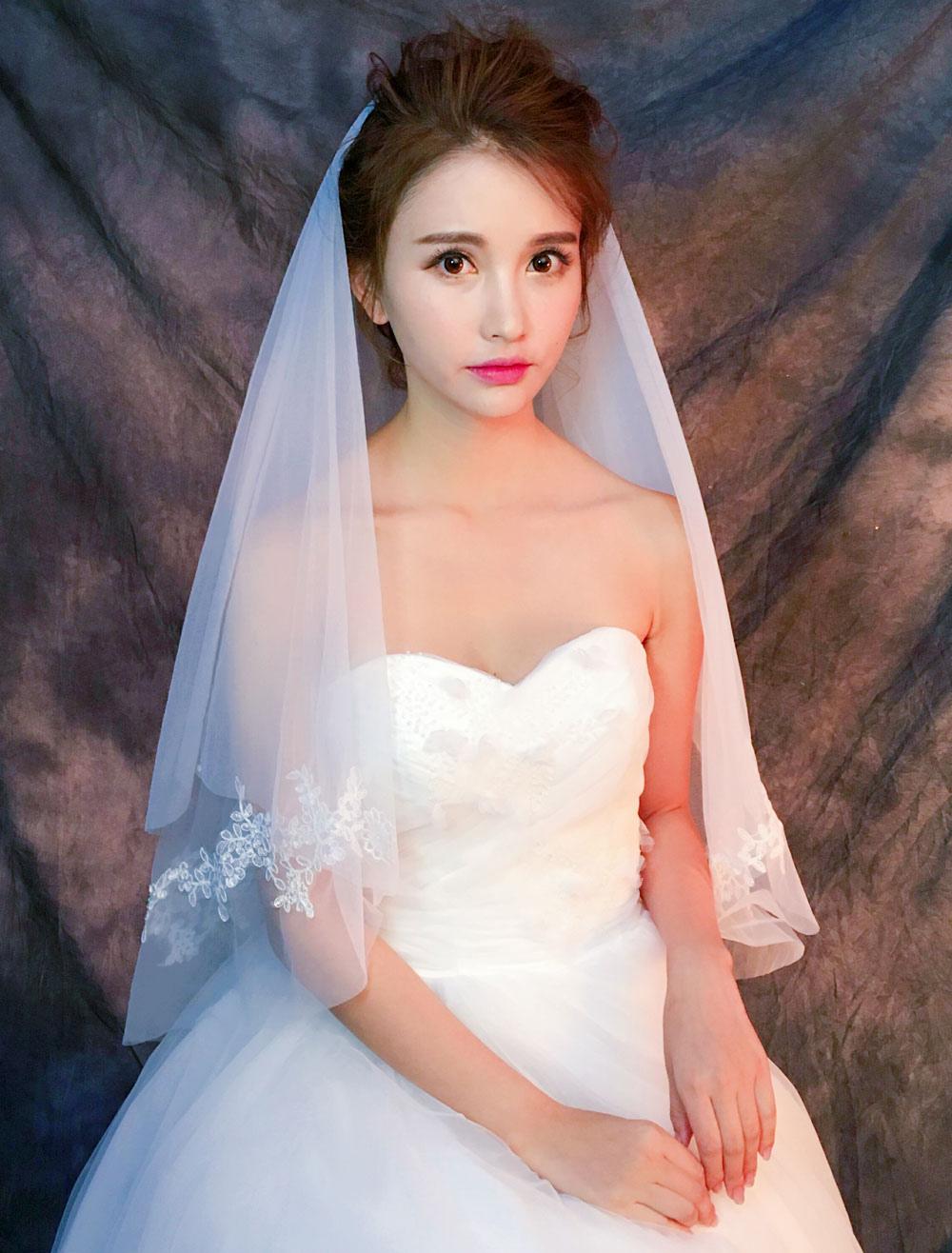 Ivory Wedding Veil 1 Tier Cut Edge Lace Applique Waterfall Bridal Veil