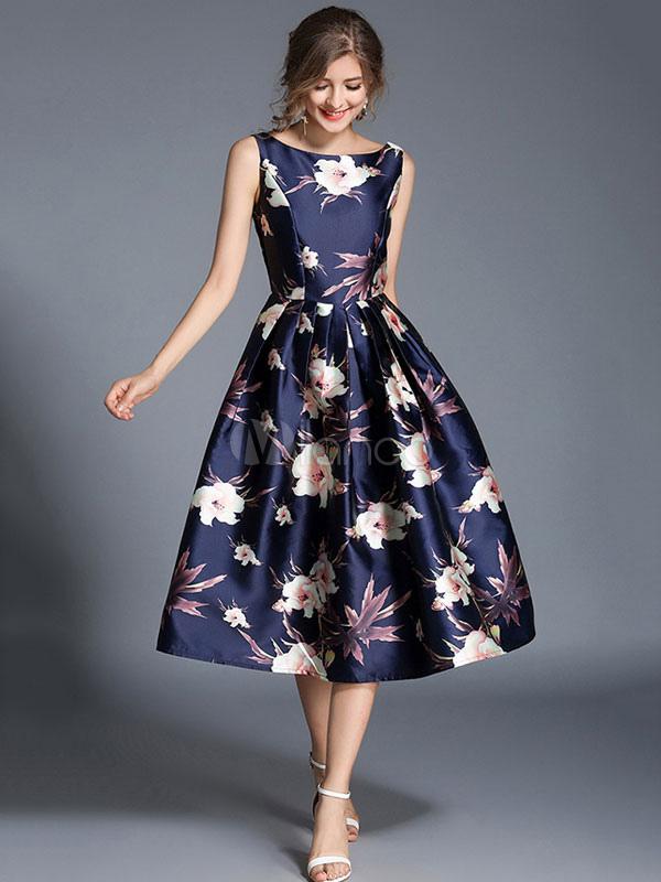 d4e615ec8 ... Vestido plisado de Acetato azul con escote redondo sin mangas con  estampado con pliegues estilo moderno ...
