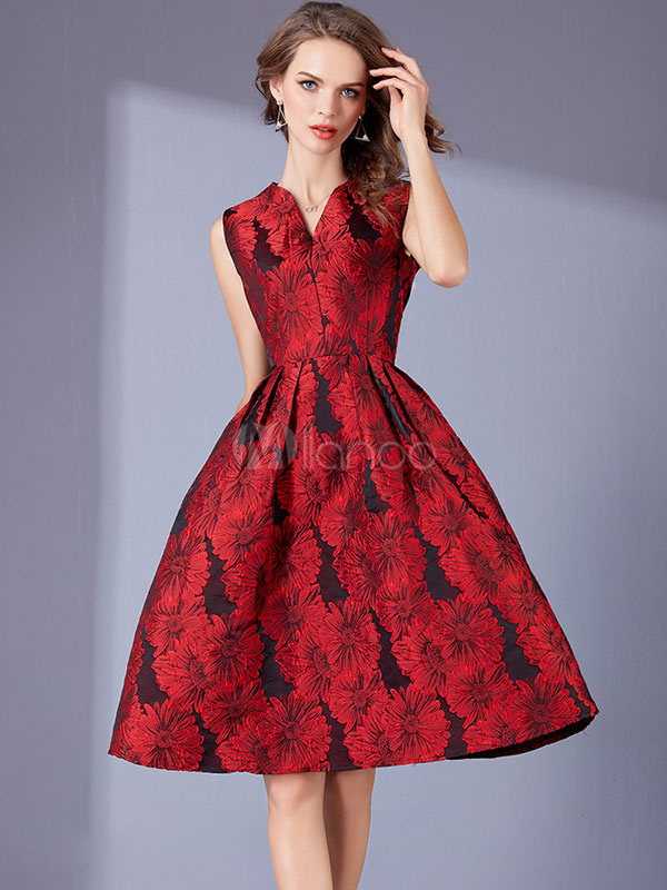 47d19db7673f Vestito plissettato rosso lungo fino al ginocchio smanicato scollatura di  design damascato donna -No.