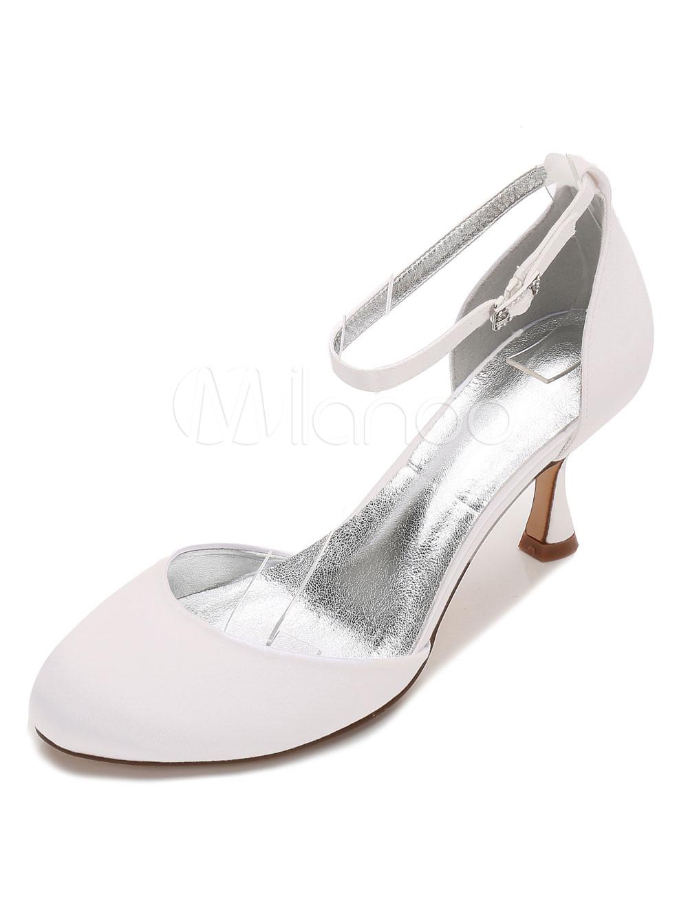 Zapatos de puntera redonda de tacón de kitten de seda y satén para boda Qgbj96