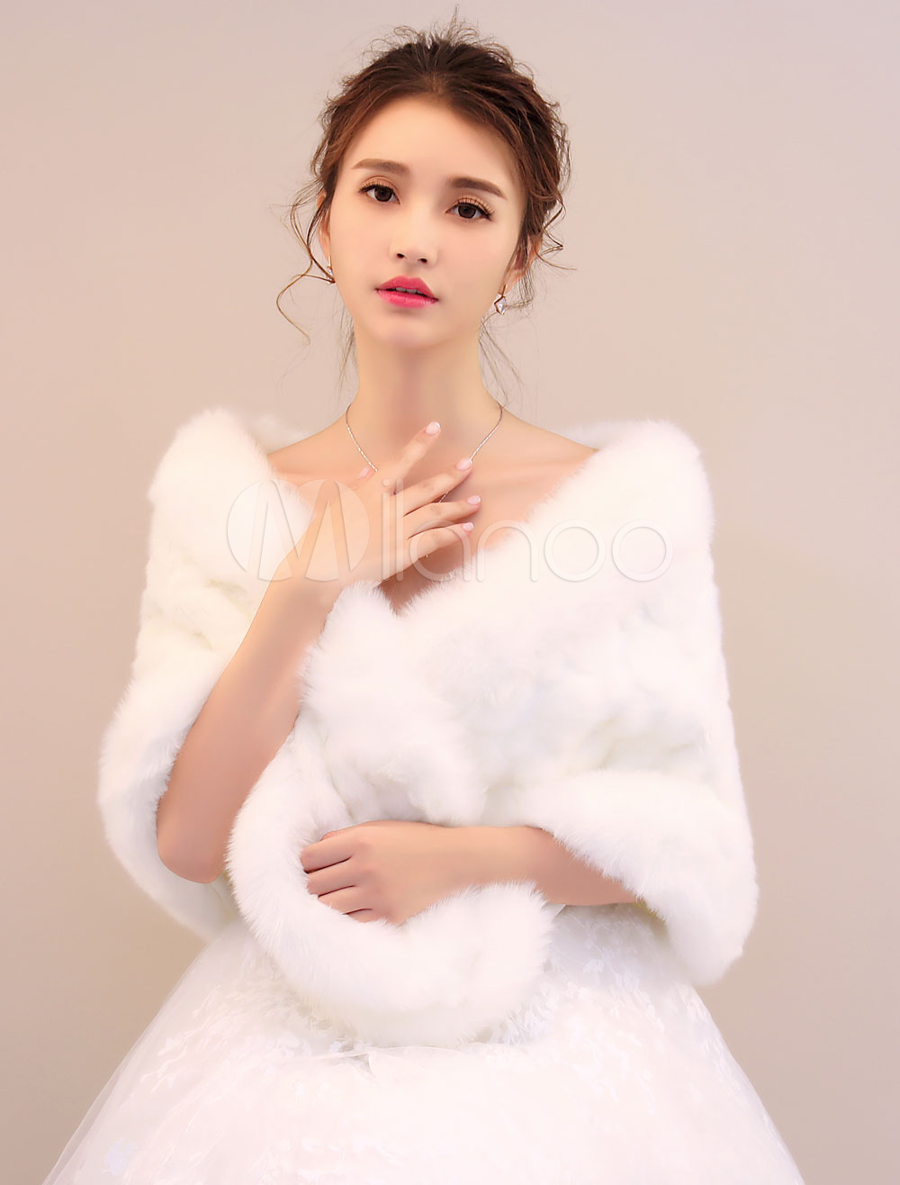 Buy Winter Wedding Stole Faux Fur Ivory Bridal Winter Shawl for $23.39 in Milanoo store