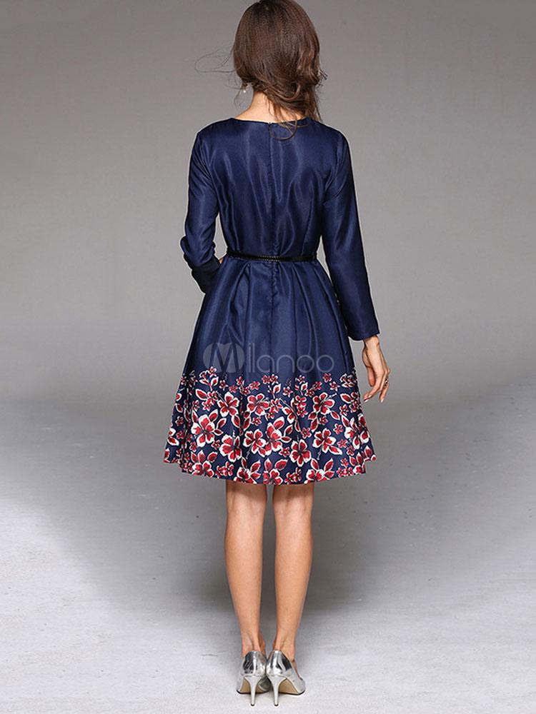 27ca7b7026 ... Vestido plisado de Acetato azul con escote redondo con manga larga con  estampado con pliegues estilo