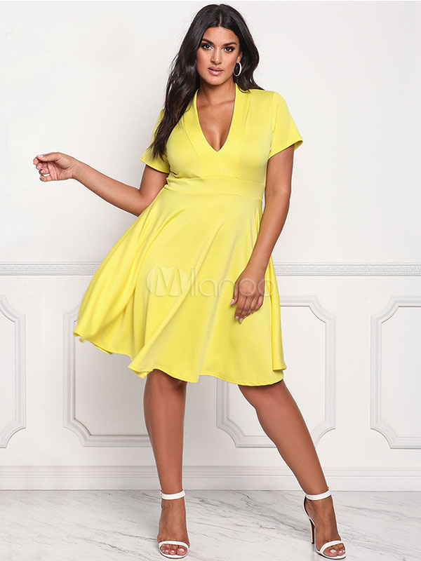 Plus Size Dress Yellow V Neck Short Sleeve Skater Dress For Women