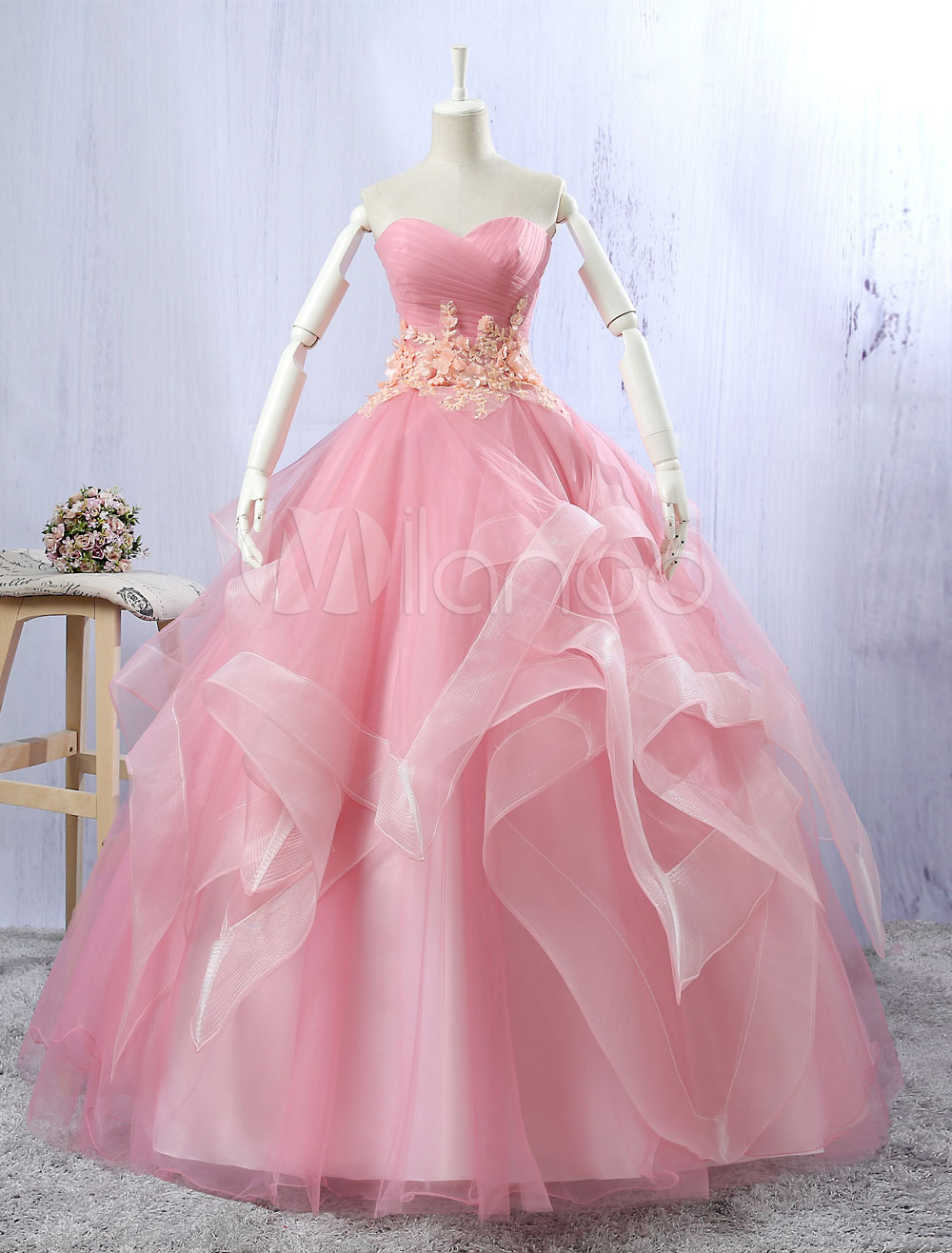 Tulle Quinceanera Dresses Lace Flowers Beading Light Pink Sleeveless Sweatheart Strapless Organza Floor Length Princess Pageant Dresses