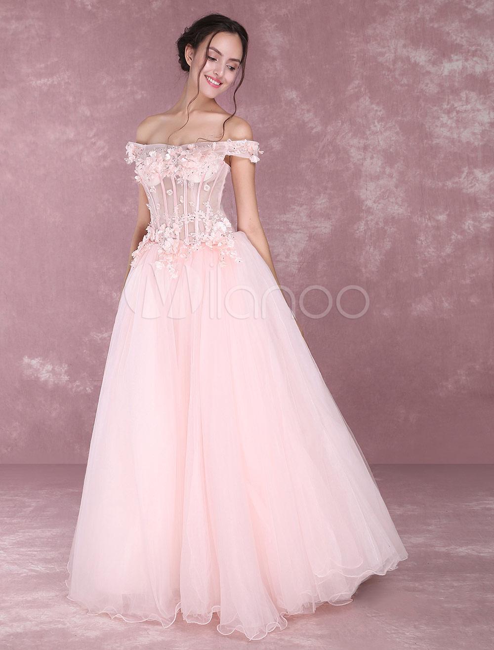 d277d88f8 Vestido para quinceañeras Rosado ligero con escote de hombros caídos ...