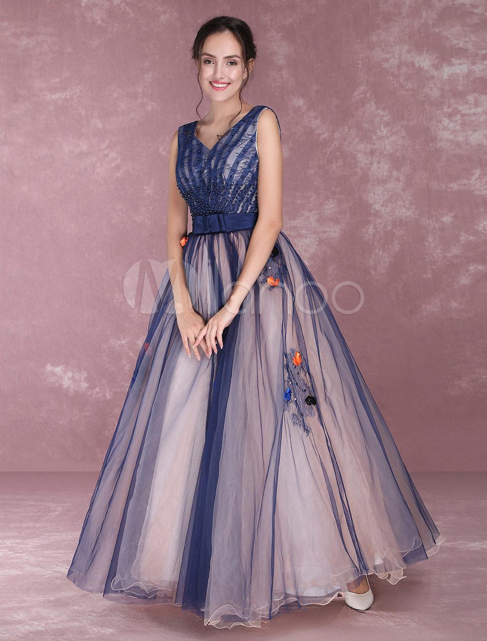 fe78353bbba ... Vestido para quinceañeras de color azul marino oscuro con cuello en V  sin mangas con cuentas ...