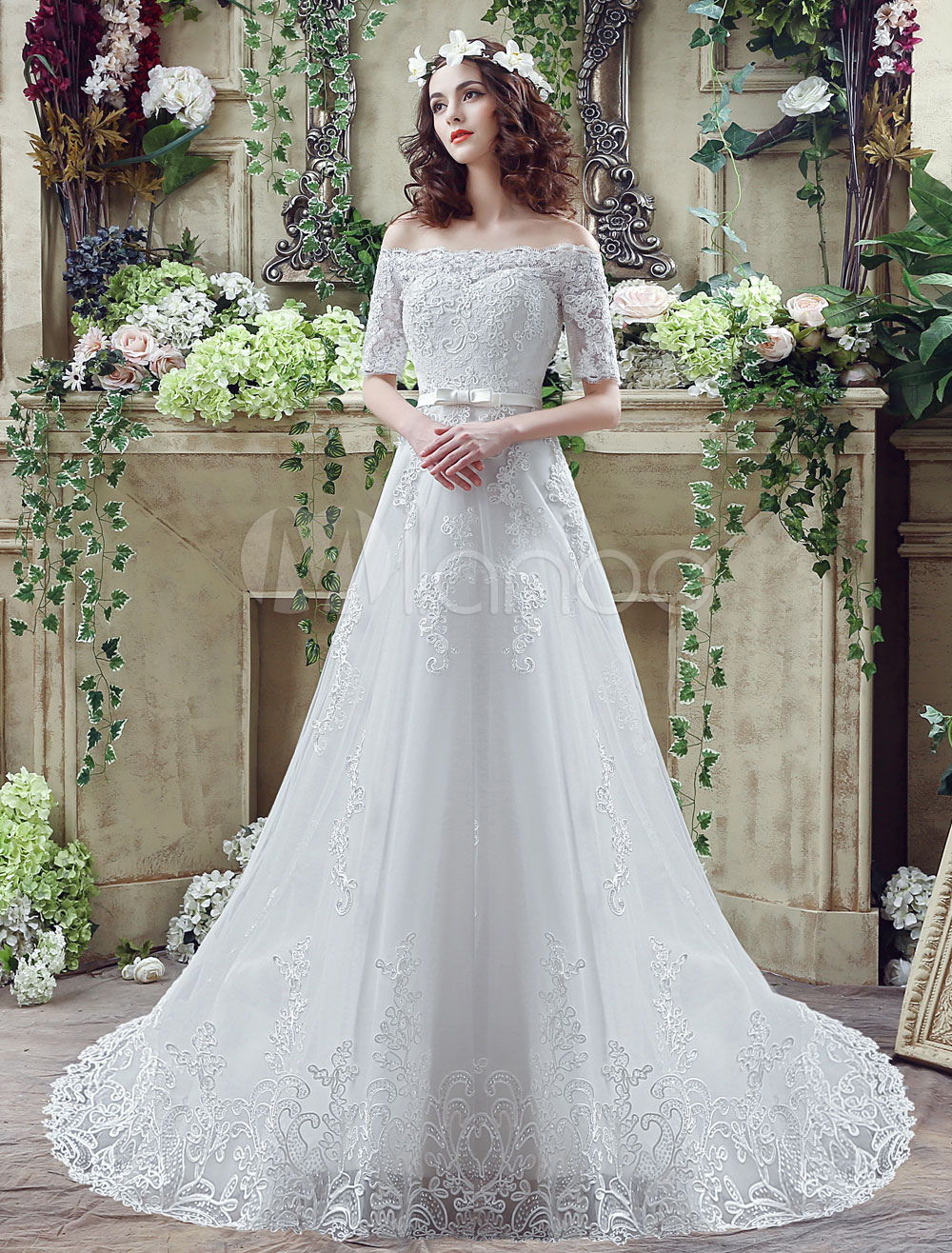 Off-the-shoulder Lace Weddding Dress Half Sleeves Bridal Gown Chapel Train A-line Bridal Dress