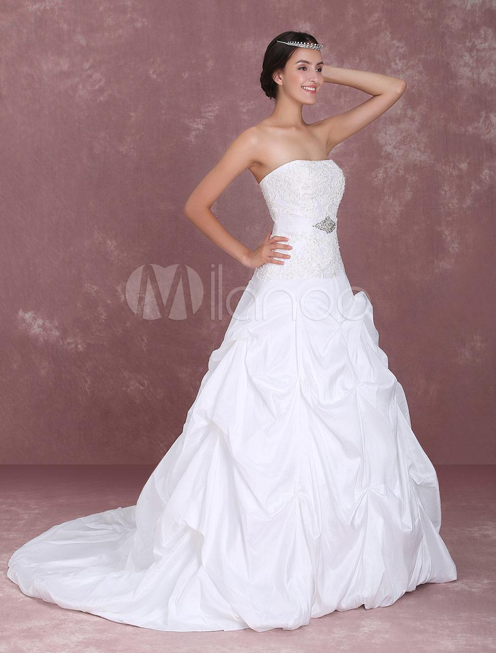 e7508a4a363cd Vestido de novia de tafetán con escote palabra de honor y aplicación ...
