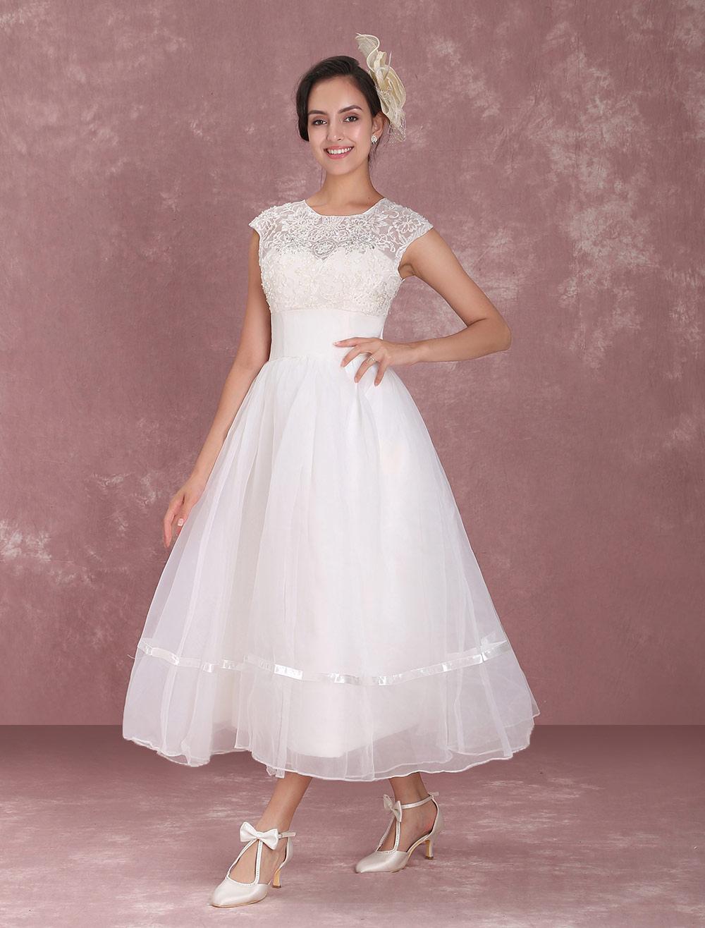 Tüll A-Linie-Brautkleid mit Rundkragen und Deko-Applikation ...