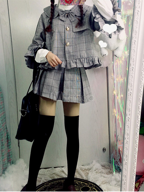 Sweet Lolita Outfit Detective In The Baker Street Grey Plaided Cape Coat With Mini Skirt