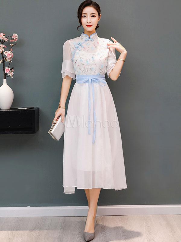 dcbd83a0ee Vestido de verano de estilo chino de gasa bordada de media manga larga  vestido blanco- ...