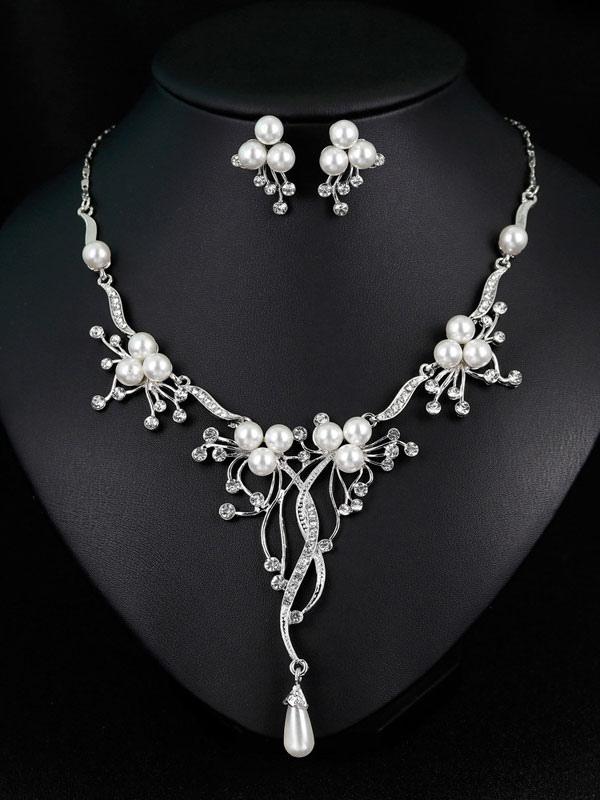 60f106c9510d Juego de joyas de perlas para boda Conjunto de collar de aretes de novia de  plata ...