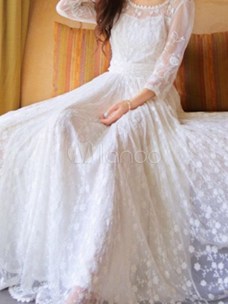 robe longue blanche en dentelle. Black Bedroom Furniture Sets. Home Design Ideas