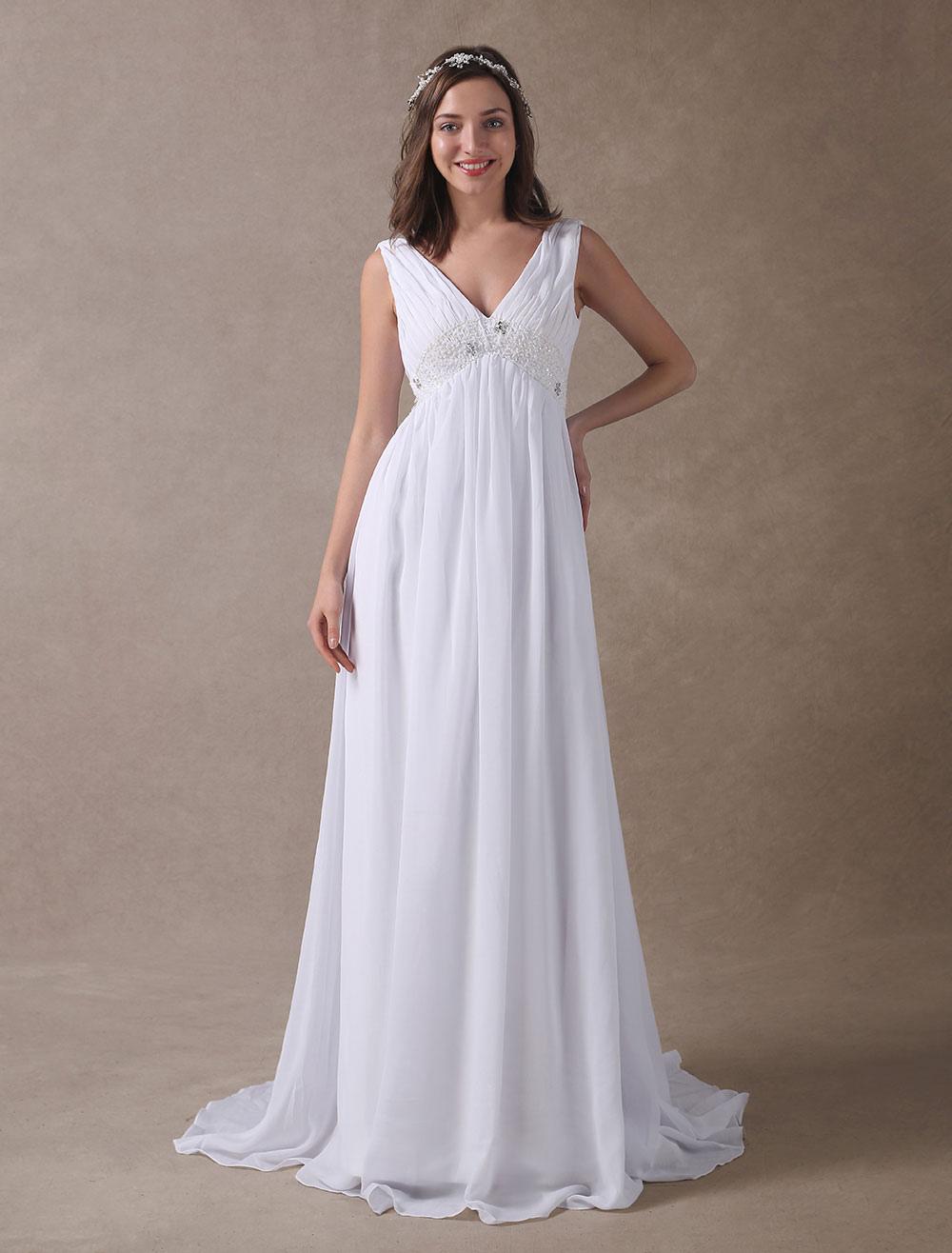 Chiffon und Satin Etui-Brautkleid mit V-Ausschnitt und Perlen ...