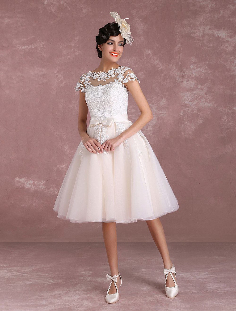 Vintage Wedding Dresses Short Lace Applique Bridal Gown Illusion Bow ...
