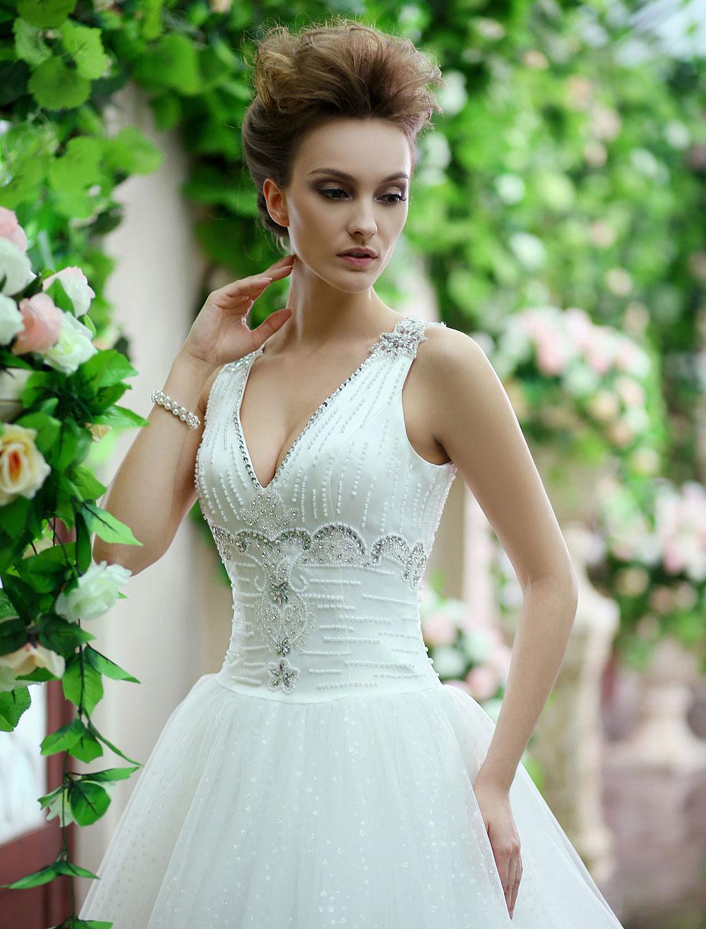 Ivory A-line V-Neck Rhinestone Court Train Tulle Bridal Wedding Gown  Milanoo