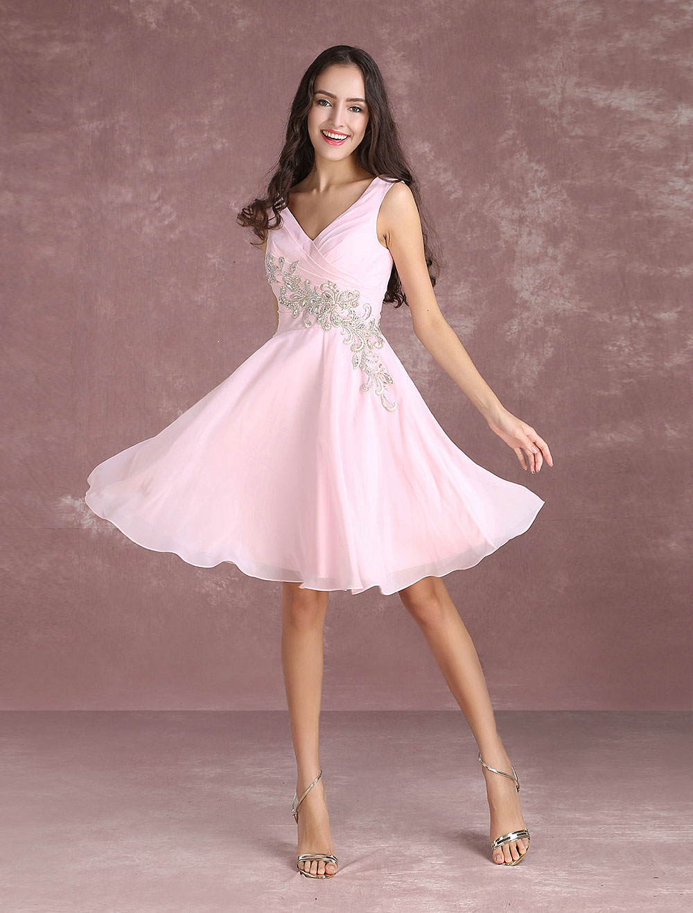c4c6068584 Pink Prom Dress Short 2019 Lace Applique Beading Homecoming Dress Chiffon V  Neck Sleeveless Pleated Knee ...